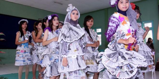 Koran Bekas Bisa Jadi Baju Woow Keren Smk Negeri 5 Madiun