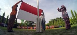 Koran Bekas Bisa Jadi Baju…Woow Keren..!! – SMK Negeri 5 Madiun 248e5b147f